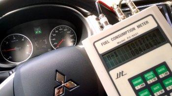 Mitsubishi Triton tiêu thụ nhiên liệu như.. xe máy