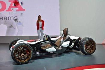 IAA 2015: Honda 2&4 Concept kỳ quặc nhất triển lãm Frankfurt