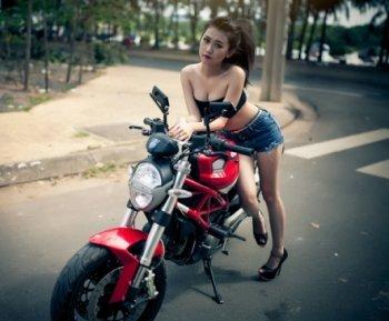 Lựa chọn môtô cho cô nàng cá tính