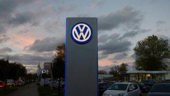 Volkswagen ngừng bán xe sau cáo buộc gian lận