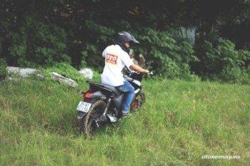 Độ Adventure cho Naked bike quá dễ dàng