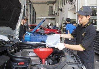 Mercedes-Benz thay dầu miễn phí cho dòng xe du lịch