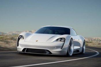 Porsche ra mắt mẫu xe điện Mission E 600 mã lực