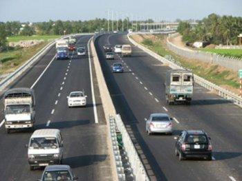 Tuyệt chiêu lái xe an toàn trên đường cao tốc