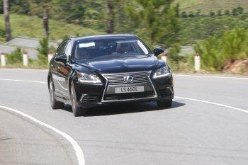 Giá xe Lexus tăng hơn 200 triệu đồng