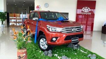 Toyota Hilux 2016 bất ngờ xuất hiện tại đại lý