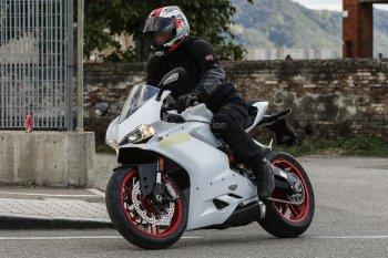Gặp superbike Ducati Panigale 959 lần đầu xuống phố