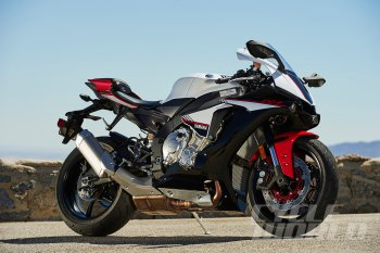 Yamaha tung bản mới của xe đua đường phố YZF-R1S