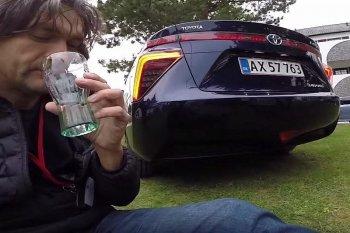 Uống nước thải từ Toyota Mirai