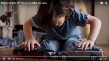 """Mercedes """"trêu chọc"""" con nít trong quảng cáo mới"""