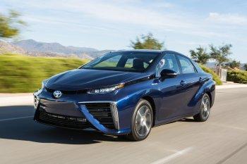 Toyota muốn xóa sổ xe xăng