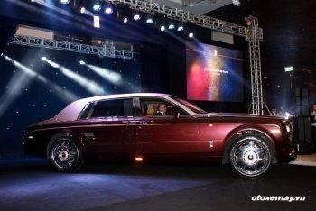 Rolls-Royce Phantom Lửa Thiêng - mẫu xe đầu tiên có vách ngăn tại Việt Nam