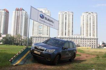 Xe Subaru hùng hục off-road giữa Sài Gòn