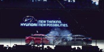 Xe Hyundai lao đầu vào nhau để chứng minh hàng nội cũng tốt