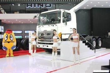 VMS 2015: Những mẫu xe tải hầm hố của Hino