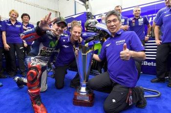 Chặng 18 MotoGP 2015: Rossi tuột mất chức vô địch vào tay Lorenzo