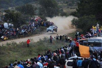 Clip giải đua xe WRC: Điên cuồng hơn cả phim hành động