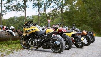 Dân buôn Yamaha bỏ bán hàng đi thi độ xe