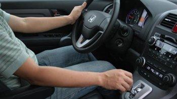 Từ đầu năm 2016 sẽ cấp riêng bằng lái xe số tự động