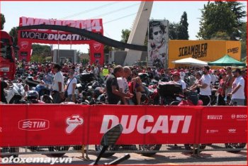 Ducati bất ngờ thay đổi tay đua mùa giải MotoGP 2015