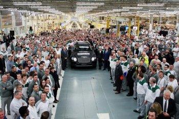 Siêu SUV Bentley Bentayga đầu tiên xuất xưởng