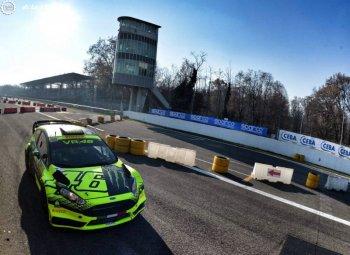Valentino Rossi: tìm niềm vui tại giải đua ô tô Monza Rally Show