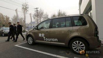 """Xe mini-van """"hút khách"""" khi Trung Quốc nới lỏng chính sách một con"""