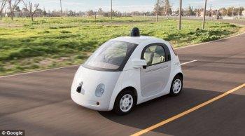 Xe tự lái Google có thể giao tiếp với người đi bộ
