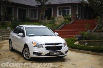 """Chọn Chevrolet Cruze 2015 """"Ngon - Bổ- Rẻ"""""""