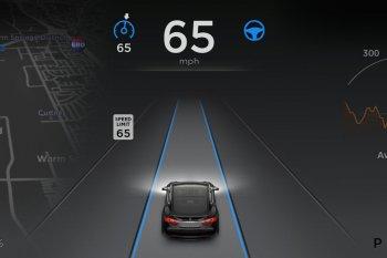 CEO BMW chỉ trích hệ thống tự lái của Tesla