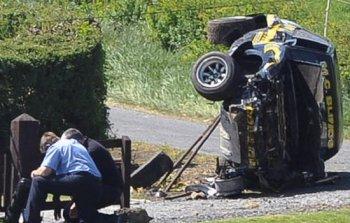 Xe đua mất lái làm chết 2 người, 7 bị thương