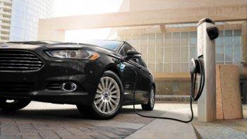 Ford đẩy mạnh đầu tư vào xe xanh