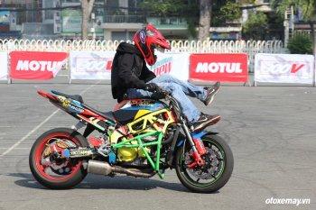 Xe độ Sài Gòn trổ tài giành suất vào ngày hội stunt xe