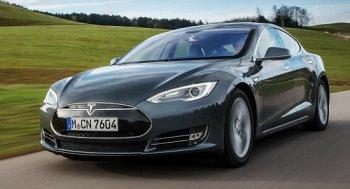 Xe tự lái hoàn toàn Tesla ra mắt vào năm 2017