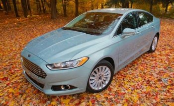 Ford bồi thường cho khách hàng vì thổi phồng mức tiêu thụ nhiên liệu