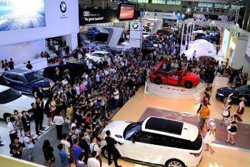 2015: Thị trường ôtô Việt sôi động bất chấp áp lực cấm xe