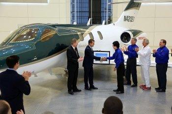 Honda bàn giao chiếc máy bay phản lực đầu tiên