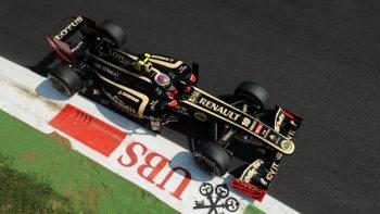 """Renault mua lại đội đua Lotus F1 với giá """"không tưởng""""... 1,5 USD"""