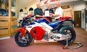 """""""Xe đua đường phố"""" Honda RC213V-S đầu tiên đã có chủ"""