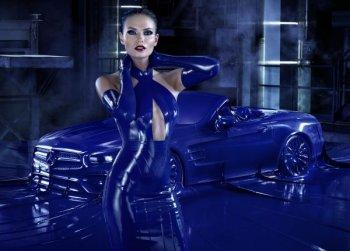 Mercedes SL đẹp cuồn cuộn dưới lớp áo cao su