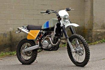 """KTM 450 EXC – Vinduro """"chất"""" không phai nhòa"""