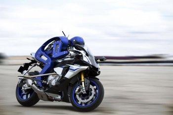 CES 2016: Yamaha Motobot sẵn sàng ra đường đua