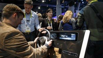 Xem trước hệ thống thông tin giải trí mới trên Mercedes-Benz E-Class 2017