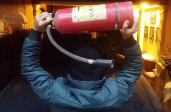 4 bình cứu hỏa bự mới dập tắt cháy xe tại Đà Nẵng
