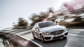 Mercedes-Benz C-Class 2015 dính lỗi trợ lực lái