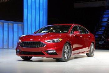 Ford Fusion 2017 chính thức ra mắt