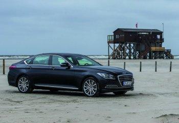 Hyundai Genesis bị triệu hồi vì lốp xe phát nổ