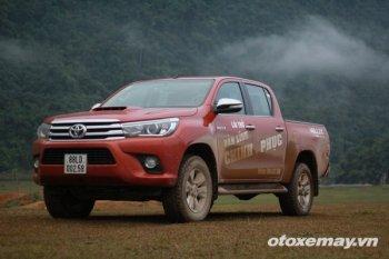 Toyota Hilux 2015 Lựa chọn tốt cho người kinh doanh