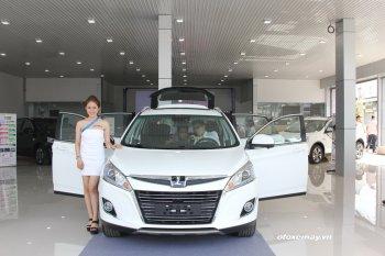 Khai trương showroom Luxgen Hồ Chí Minh và báo giá crossover U6 mới từ 808 triệu đồng