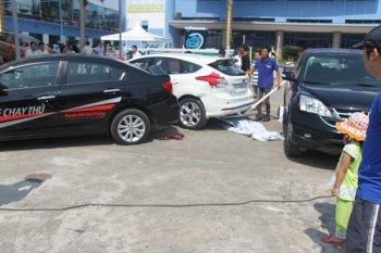 Focus va vào Civic, 2 người bị thương trong ngày bế mạc triển lãm ôtô